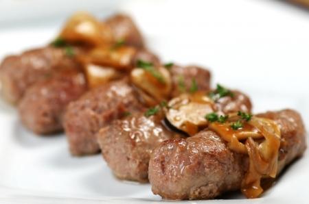 Cách làm thịt bò nướng phô mai hấp dẫn